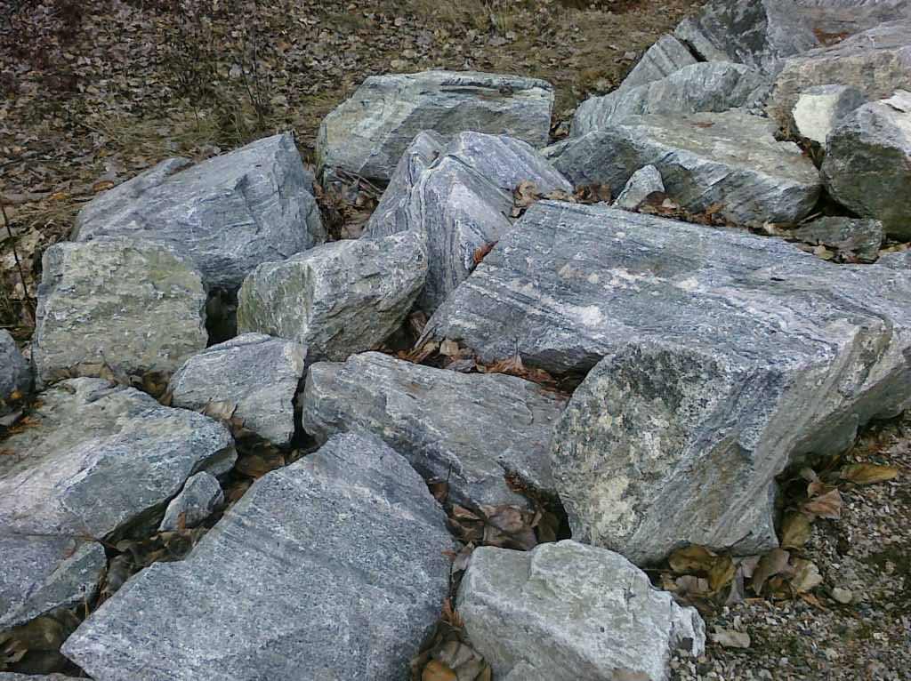 Large Rocks in Landscaping