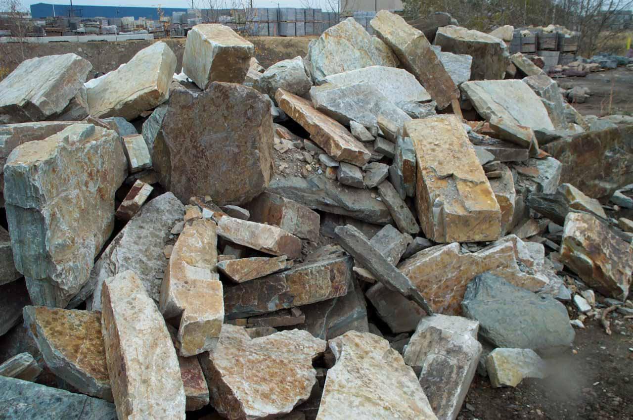 Boulders in landscaping salisbury landscaping for Landscaping rocks merced ca