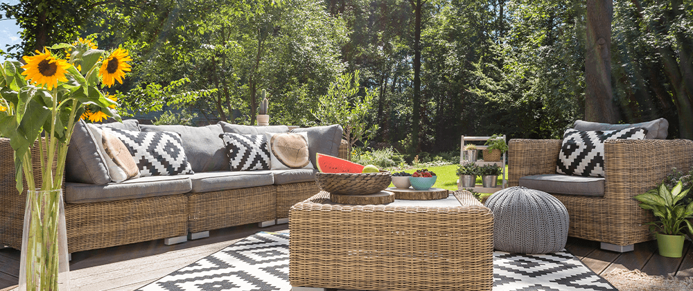 bold patterened accents to suit backyard design