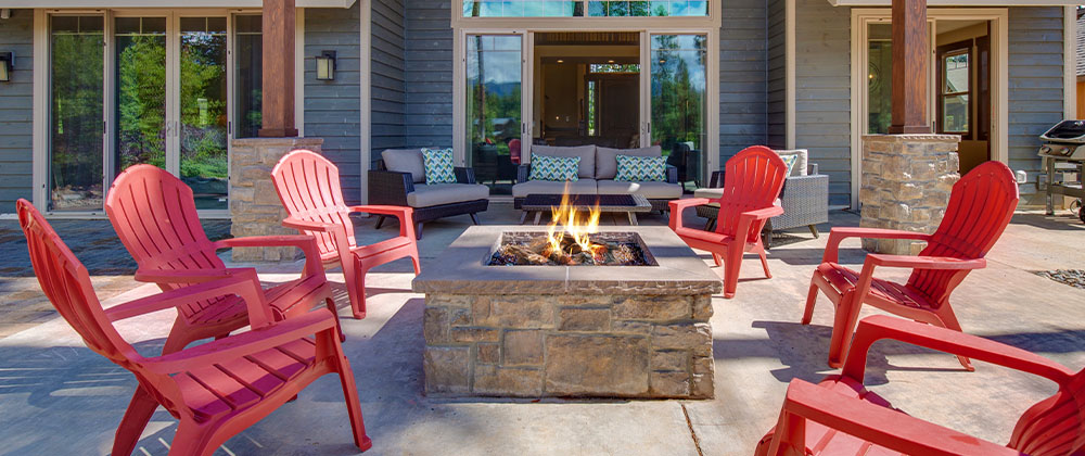 firepit in front yard